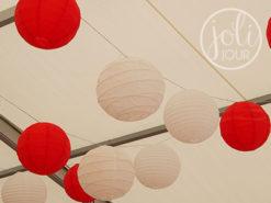 Decoration mariage bordeaux rouge vif lanternes boules chinoises pour plafond