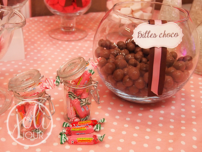 Location bar a bonbons idee decoration candy bar rose pale chocolat mariage