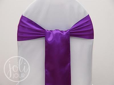Location ceinturage violet satin pour housses de chaises