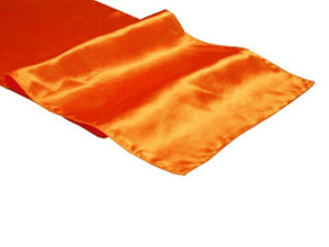 Location chemins de table orange en satin - Mariage tropical, exotique