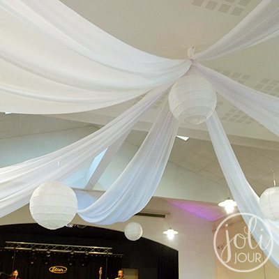 Location drapes plafond satin blanc tentures decoration salle de mariage