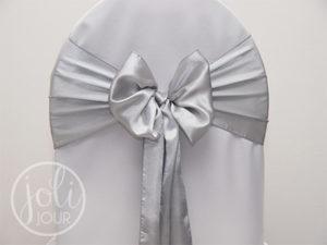 Location noeud gris argent satin pour housses de chaises