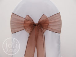 Location noeud marron chocolat organza pour housses de chaises