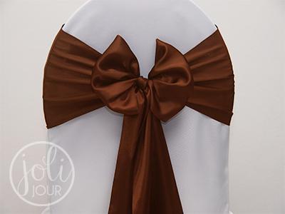 Location noeud marron chocolat satin pour housses de chaises