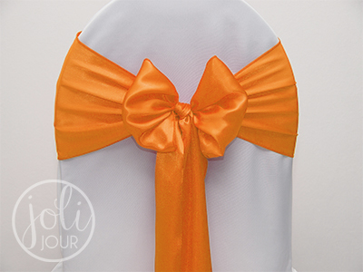 Location-noeud-orange-satin-pour-housses-de-chaises