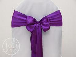 Location noeud violet satin pour housses de chaises