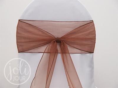 Location-ruban-marron-chocolat-organza-pour-housses-de-chaises-auxerre-troyes