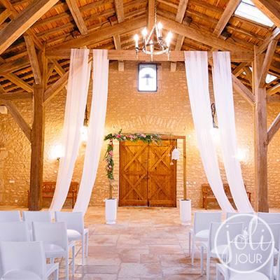 Location voilages pour mariage en tissu blanc Poitiers Niort La Rochelle