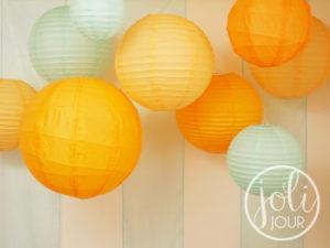 idees decoration mariage lanternes orange bleu turquoise theme plage mer voyage